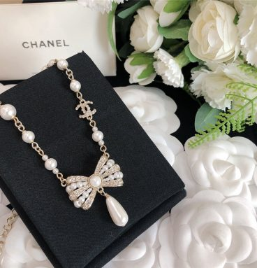 chanel bow necklace
