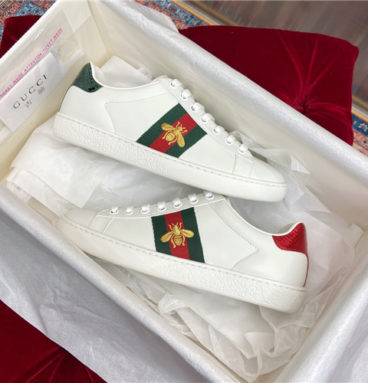 gucci ace sneaker bee